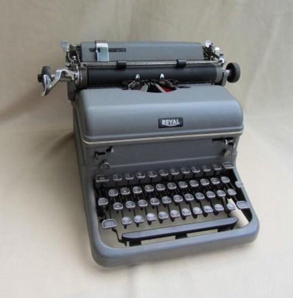Vintage Typewriter Royal Standard 1953