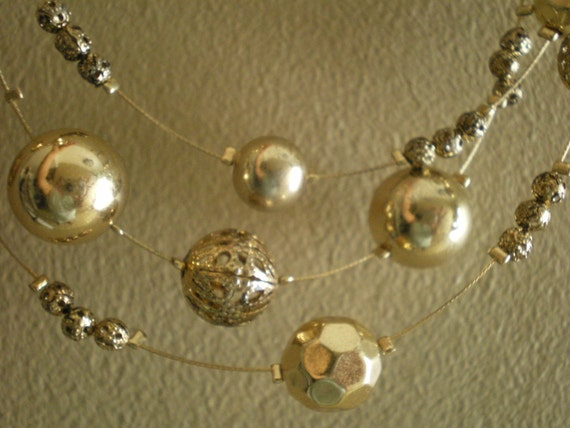 ILLUSION NECKLACE GOLD Orbs