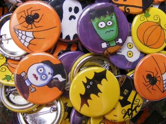 50 Halloween Buttons