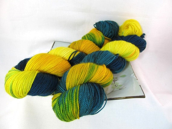 Sock Yarn - Happy Fish - Pebble Sock