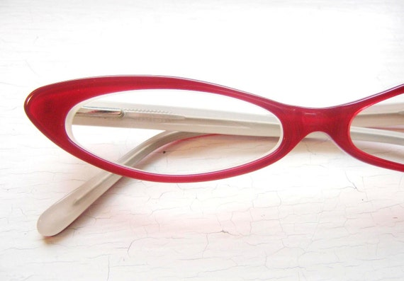 Vintage Slim Cat Eye Eyeglass Frames in Tramp Red