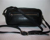 Reserved for AaVintage authentic Coach camera bag cross body bag mod 9589