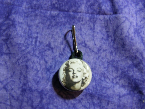 Marilyn Monroe Zipper Pull