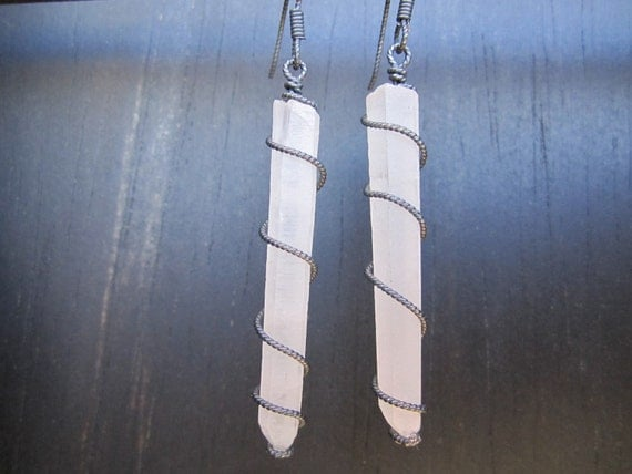 FROSTED CRYSTAL POINTS - Earrings