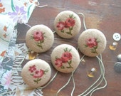 Fabric Buttons, Retro Small Beige Pink Red Rose Floral Flower Fabric Covered Buttons, Small Beige Rose Fridge Magnets, Flat Back, 1 Inch 5's