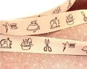 Sewing Machine Pin Cushion Scissors Iron Cotton Ribbon Fabric Tape Label