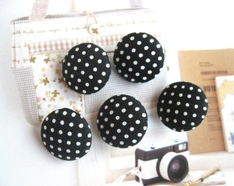 Fabric Buttons, Retro Black White Polka Dots Fabric Covered Buttons, Polka Dots Fridge Magnet, Flat Back, 5's CHOOSE SIZE 5's