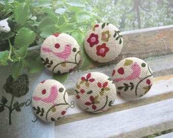 Fabric Buttons, White Pink Bird Flowers Floral Fabric Covered Buttons, Flower Bird Small Fridge Magnets, Flat Backs, 1.1 Inches 5's
