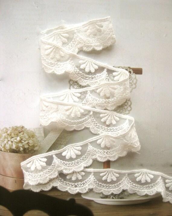 Cotton Lace Fabric Trim - Retro Off White Cream Flower Scallop Cotton Lace TRIM 1 Inch 2 Meters - Diana