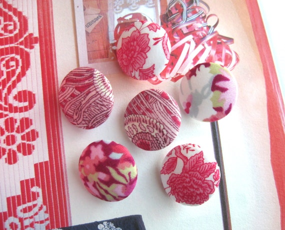 Fabric Buttons, Liberty Of London, Liberty Buttons, Floral Buttons, Flower Buttons, Red Buttons, Pink Buttons, Flat Backs, 0.8 Inches 6's