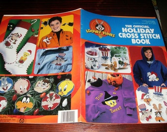 Counted Cross Stitch Leaflet The Official Looney Tunes Holiday Cross Stitch Book Leisure Arts 2999 Cross Stich Pattern