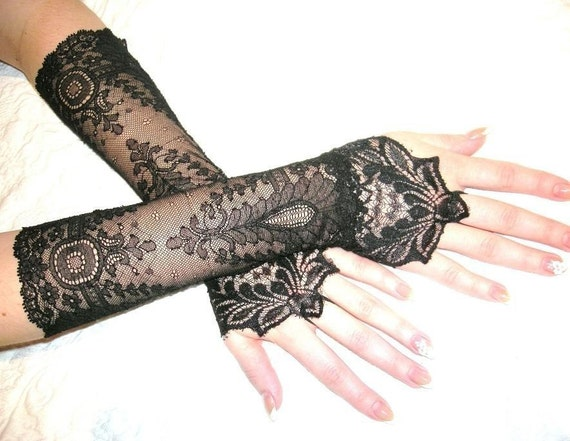 The NEW MOON black french lace cuffs, Lolita, Victorian, Gothic, Vampire