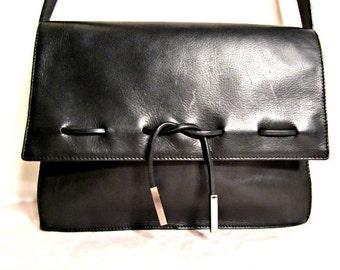Vintage  Leather Purse 1980s Messenger  Style Black