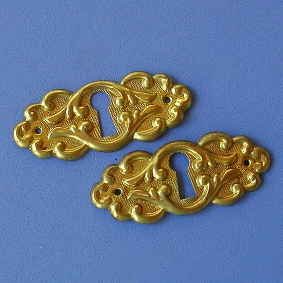 2 Vintage Brass Keyhole Key Hole Cover Covers Escutcheon Escutcheons DIY Jewelry Reserved for Ale Please Do Not Buy