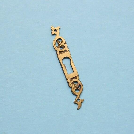 Antique Vintage Brass Keyhole Key Hole Cover Escutcheon Steampunk Jewelry Ornate DIY Jewelry Keyhole Cover