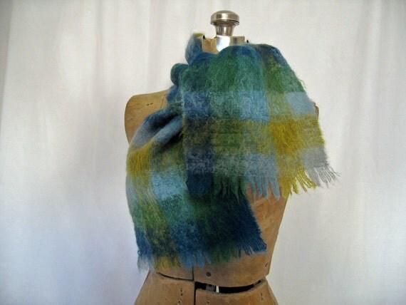 vintage 1950s scarf // blue PLAID Mohair scarf muffler 50s