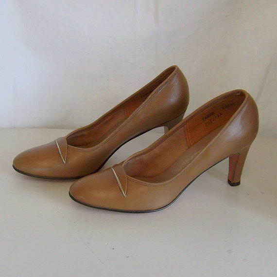 Vintage Thos Cort high heel pumps shoes brown butterscotch leather  7 1/2 AAA