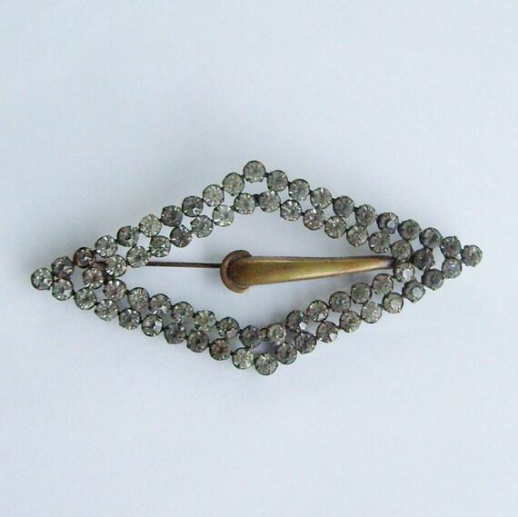 Vintage rhinestone brooch buckle diamond shaped