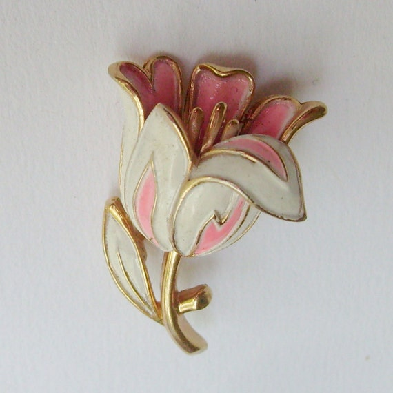 Vintage Trifari enamel flower pin or brooch tulip pink and white on gold