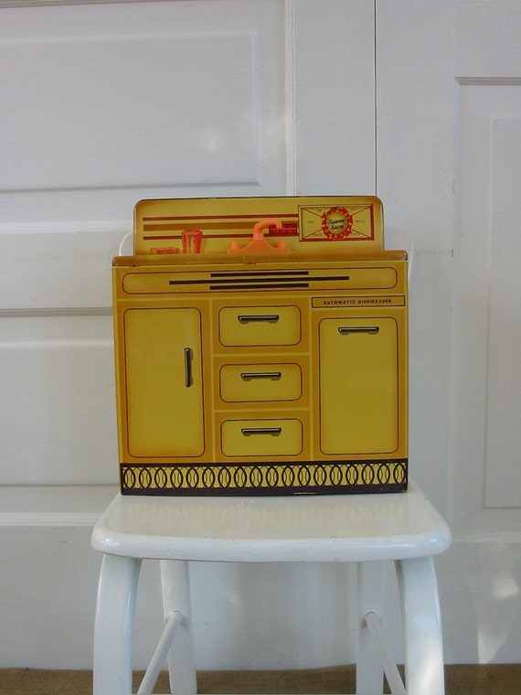 Vintage Toy Sink WOlverine Metal Kitchen Sunny Suzy Yellow