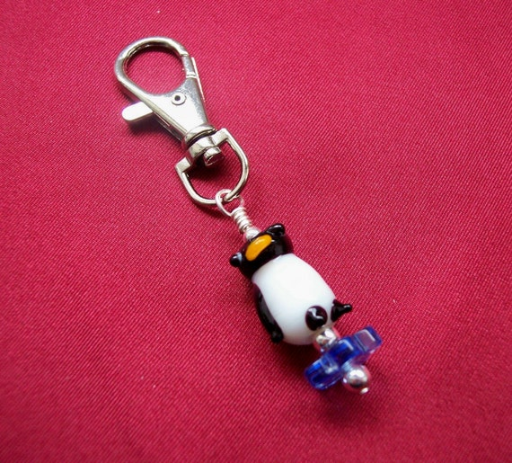 Captivating Critters Penguin Zipper Pull