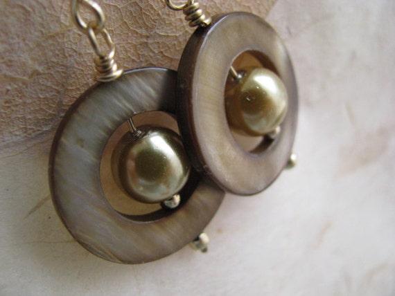 Mocha Shell and Pearl Earrings