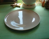 Retro Pottery Hollywood Dinnerware Light Gray Dinner Plate 9 1/4 inch