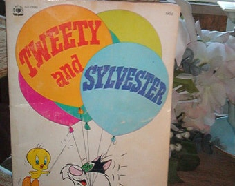 1971 Tweety and Sylvester SC Book Comic Strip type pictures