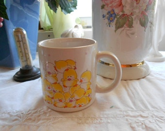 Vintage 1986 Applause (R) Baby Yellow Chicks Stoneware Mug perfect for Easter or anytime