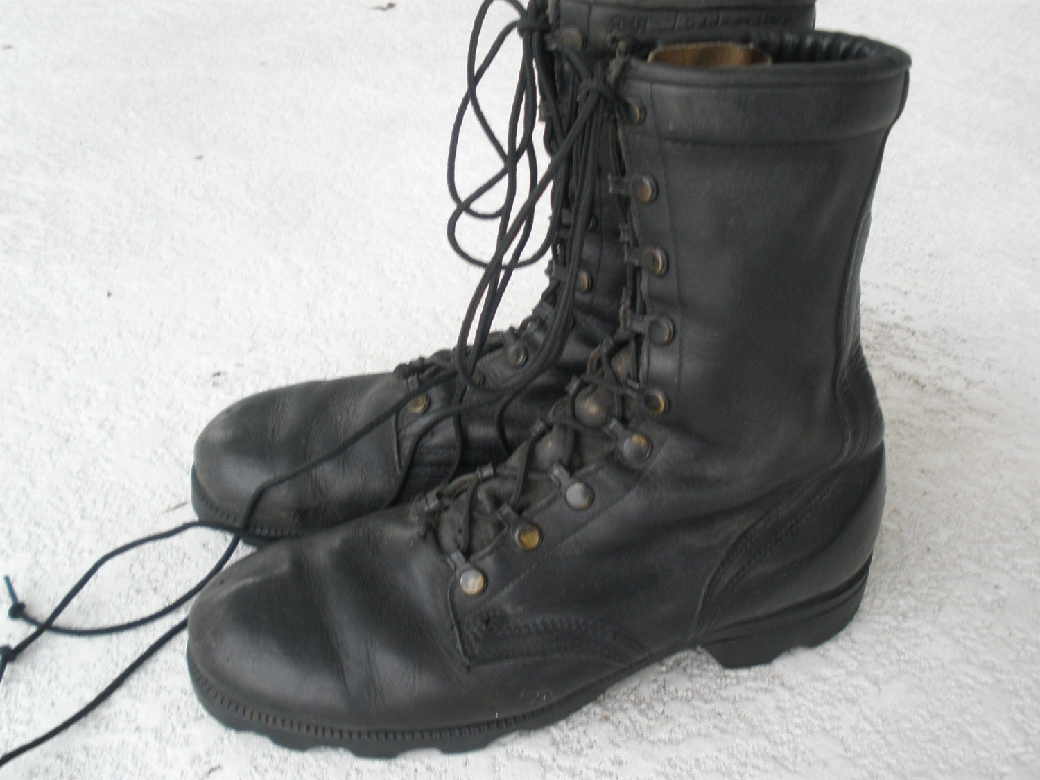 combat boots black leather size 8 size 9 1 2