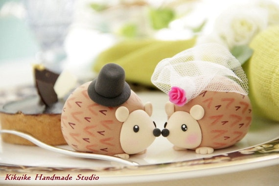Hedgehog wedding cake topper ,porcupine Wedding Cake Topper---k764
