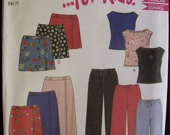 Simplicity 6930 New Look Pattern Easy Four Piece Wardrobe Collection for Kids Size 7 to 14