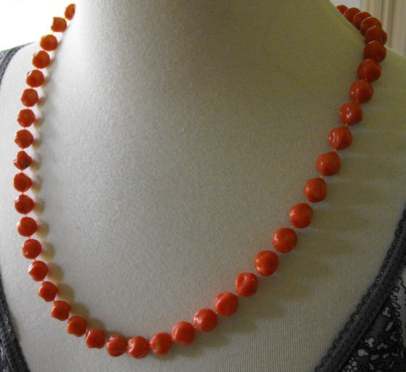Vintage Funky Coral Colored Bead Necklace