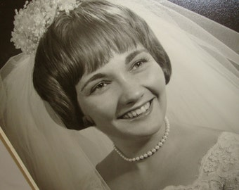 Vintage Wedding Day Photograph, 1950's Bride Photo, Black And White, Picture of Bride