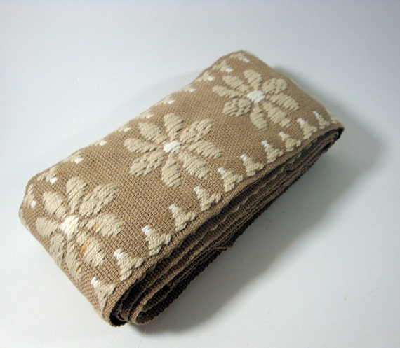 Vintage Brown Beige Trim  (544-11)