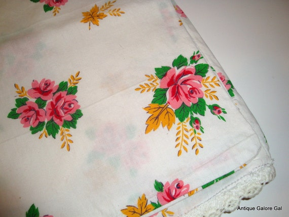 Sweet Vintage Pillowcase, Pink Roses, Lace Trim  (379-12)