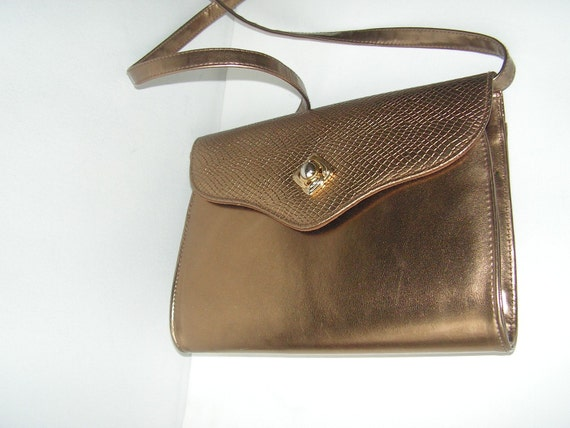 Classy vintage 80s bronze,metallic  color,  patent leather purse.Made by Chateau.