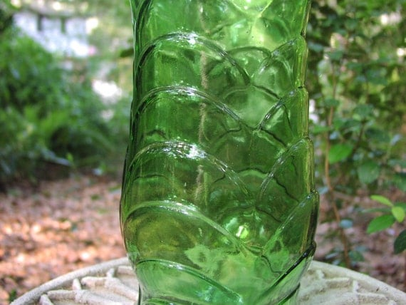 Vintage green glass EO Brody tall flower vase, mint condition, 1960's 1970's retro home decor in eyecatching bright emerald green color, textured surface with fish scale pattern