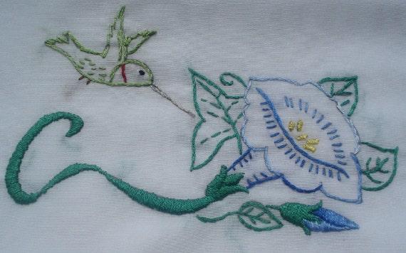 Sew Pretty Pillowcases - Baby Hummingbirds - Set of 2