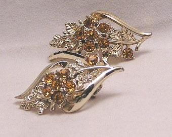 Vintage Rhinestone Flower Leaf Earrings. J80