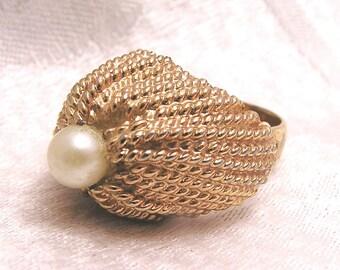 Vintage High Domed Napier 60s Ring. J43