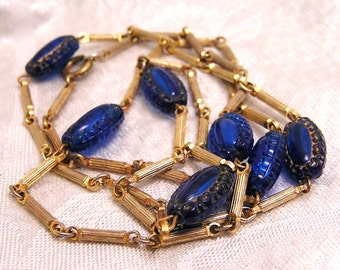 Vintage Blue Decorative Molded Bead and Chain Necklace. J27