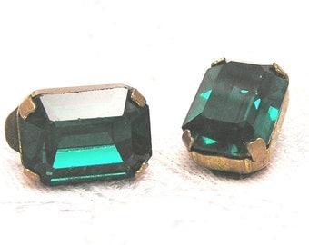 Vintage Deep Green Cut Glass Earrings from Austria J49