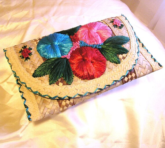 Vintage Woven Straw Clutch Purse with Flowers.
