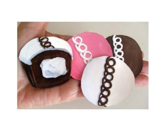 Refrigerator Magnets * Cupcakes *  Set of Four * Hand Painted * Kitchen Decor
