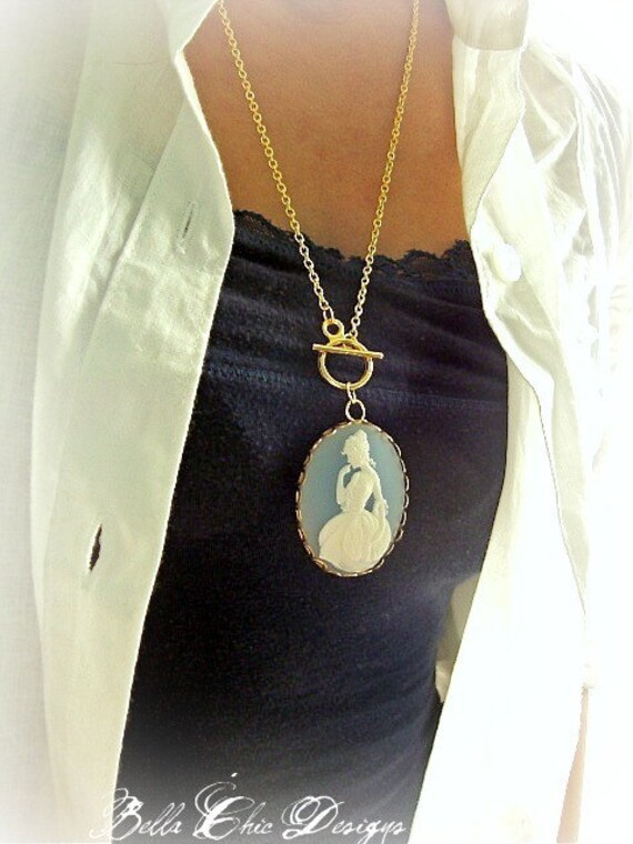 Thoughtful Eleanor -Long Chain Toggle Necklace
