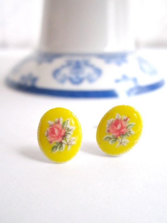 Shabby Chic - Post earrings