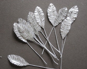 Tiny Silver/White Leaves (12)