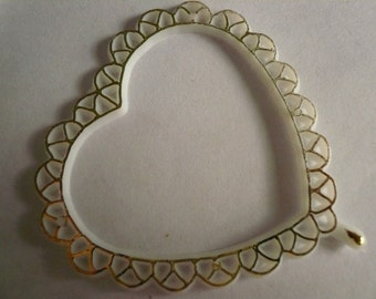 Vintage Flat Plastic Scalloped Hearts with Gold Trim  NOS(6)