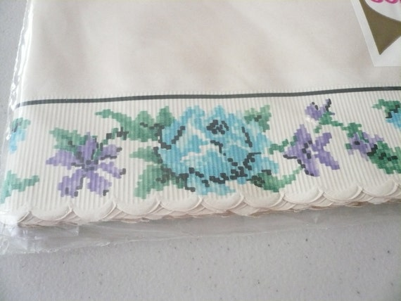 1950s Vintage Roylies Shelf Lining Paper with Blue and Lavender Flowers NIP